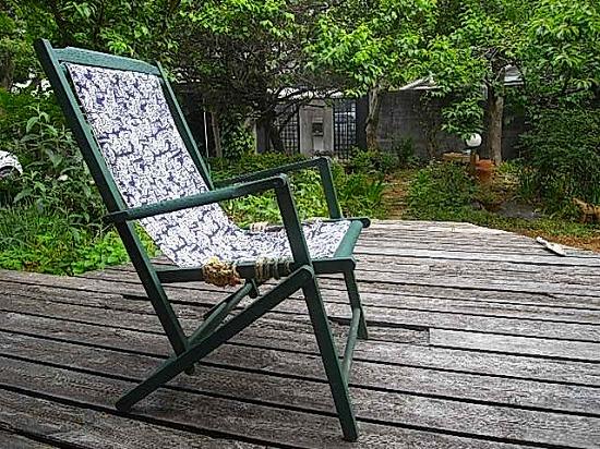 師匠のお庭の椅子