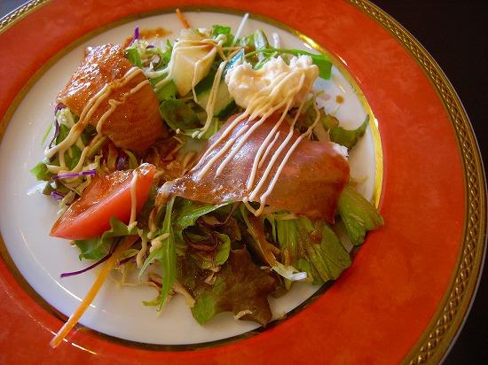 サンゴ色のお皿