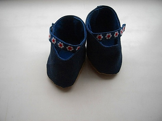 お人形の靴